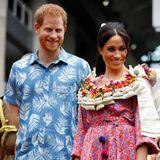 Tag 9  Fröhlich bunt geht es weiter auf den Fidschi-Inseln: Harry und Meghan besuchen dieUniversity of the South Pacific in Suva.