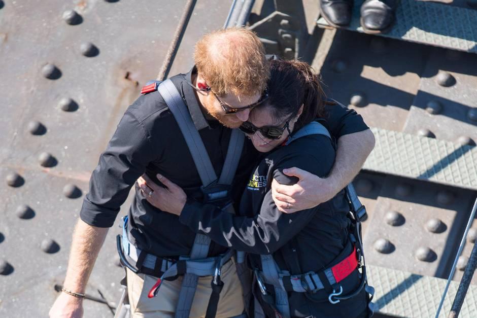 Prinz Harry kümmert sich rührend um Witwe Gwen Cherne