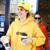 24. Oktober 2018  Bei ihrem Spaziergang durch Studio City legen Justin Bieber und Hailey Baldwin bei schönstem Herbstwetter in einemCafé einen Zwischenstopp ein.