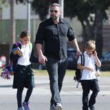 12. Oktober 2018  Ben Affleck auf mit den Kids Seraphina undSamuel auf dem Weg zum Supermarkt.