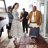 Tag 11  Sehr herzlich werden Herzogin Meghan und Prinz Harry von Tongas hochrangigen PolitikerninNuku'alofa empfangen.