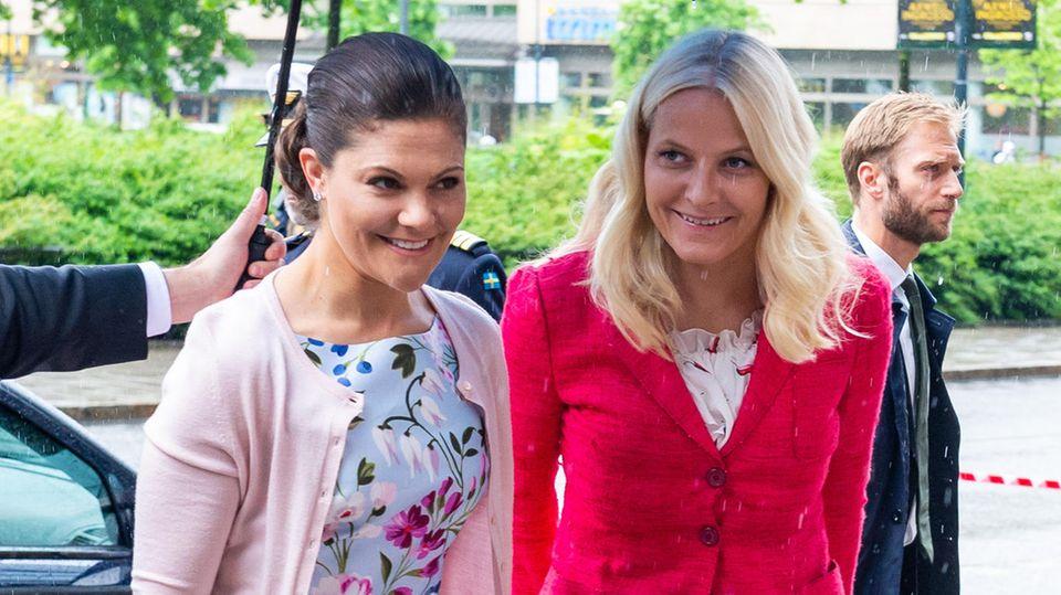 Kronprinzessin Victoria und Kronprinzessin Mette-Marit