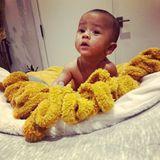 13. September 2018  Soooo süß! Der kleine Miles Theodore schaut ganz verdutzt in die Kamera. Diesen Moment muss Mama Chrissy Teigen mit ihren Instagram-Fans teilen.