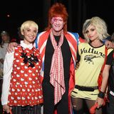 Auch Kaia und Presleys Eltern Cindy Crawford und Rande Gerber sind auf der Party mit von der Partie. Links im Bild Olivia Munn. Hätten sie die Schauspielerin erkannt?
