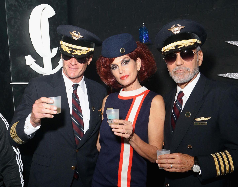 Mit dieser Bord-Crew möchte wohl jeder gerne reisen. Rande Gerber, Cindy Crawford und George Clooney beiCasamigos & CATCH Halloween Party in Las Vegas.