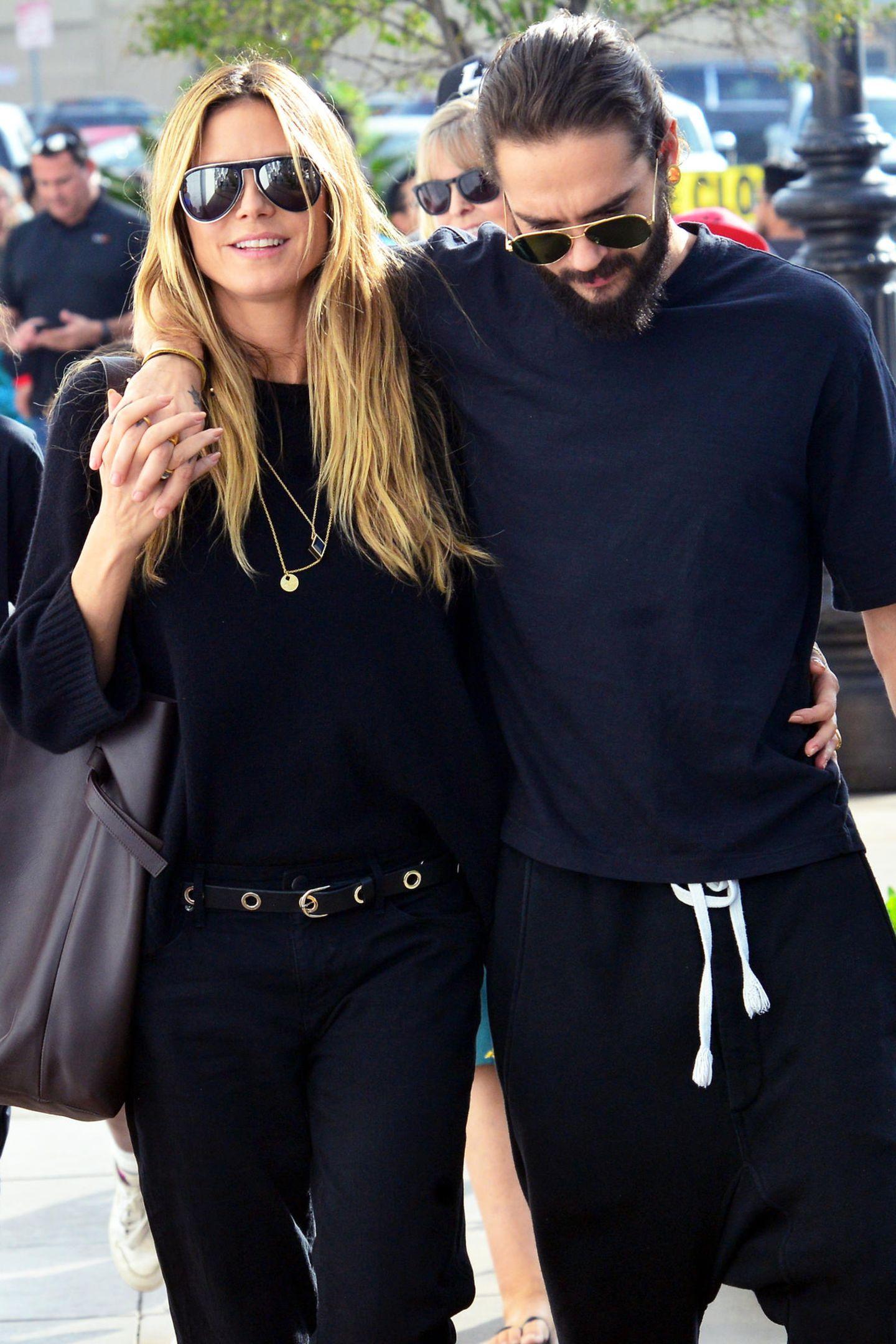 Heidi Klum und ihr FreundTom Kaulitz schlendern im entspannten Casual-Partnerlook durch Los Angeles. Ob dieser Partnerlook wohl nur reiner Zufall ist?