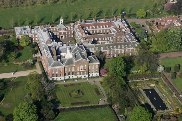 Prinzessin Eugenie und ihr Jack leben derzeit im Ivy Cottage auf dem Gelände des Kensington Palastes. Ihre direkten Nachbarn: Herzogin Catherine und Prinz William sowie Prinz Harry und Herzogin Meghan.