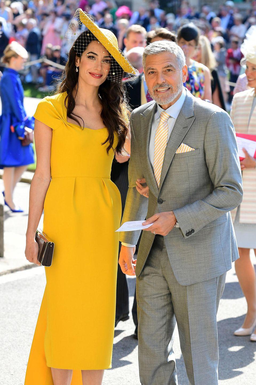Amal + George Clooneystrahlten bei der Hochzeit von Prinz Harry + Herzogin Meghan