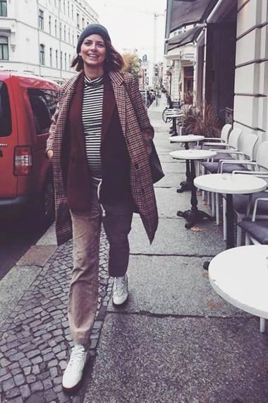 Eva Padberg startet gut gelaunt in die neue Woche und beglückt ihre Instagram-Follower zudem mit diesem Babybauch-Schnappschuss. Die Schwangerschaft steht dem deutschen Topmodel ausgezeichnet.