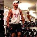 Für diesen Instagram-Schnappschuss im Fitnessstudio lässt VIP-Makler Marcel Remus ordentlich die Muskeln spielen. Seine durchtrainierten Oberarme können sich auf jeden Fall sehen lassen.