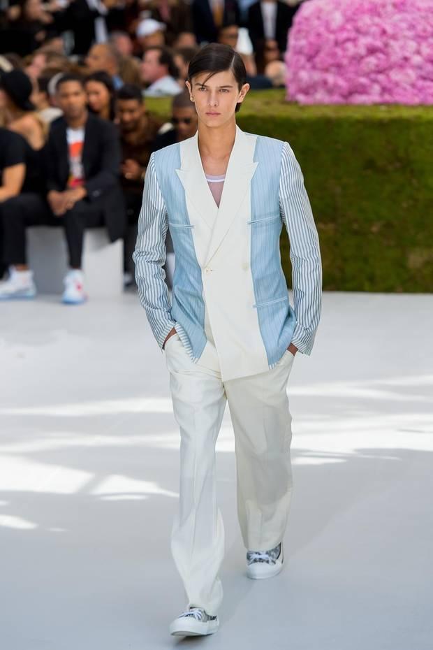 Prinz Nikolai lief im Juni 2018 auf der Pariser Fashionweek. Hier ist er auf dem Laufsteg derDior Homme Fashion Show zu sehen.