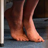 Tag 15  Für alle, die es interessiert: So sehen die Füße einer Herzogin aus. Die schwangere Meghan dürfte die Pause von ihren High Heels willkommen heißen.