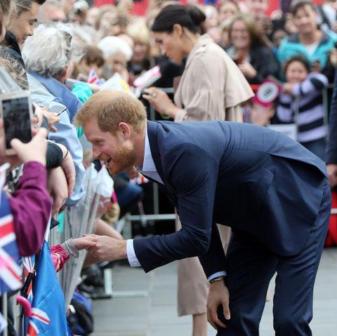 Prinz Harry und Herzogin Meghan beim Rundgang in Auckland