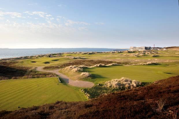 Der Golfplatz lässt Golf-Herzen höher schlagen.