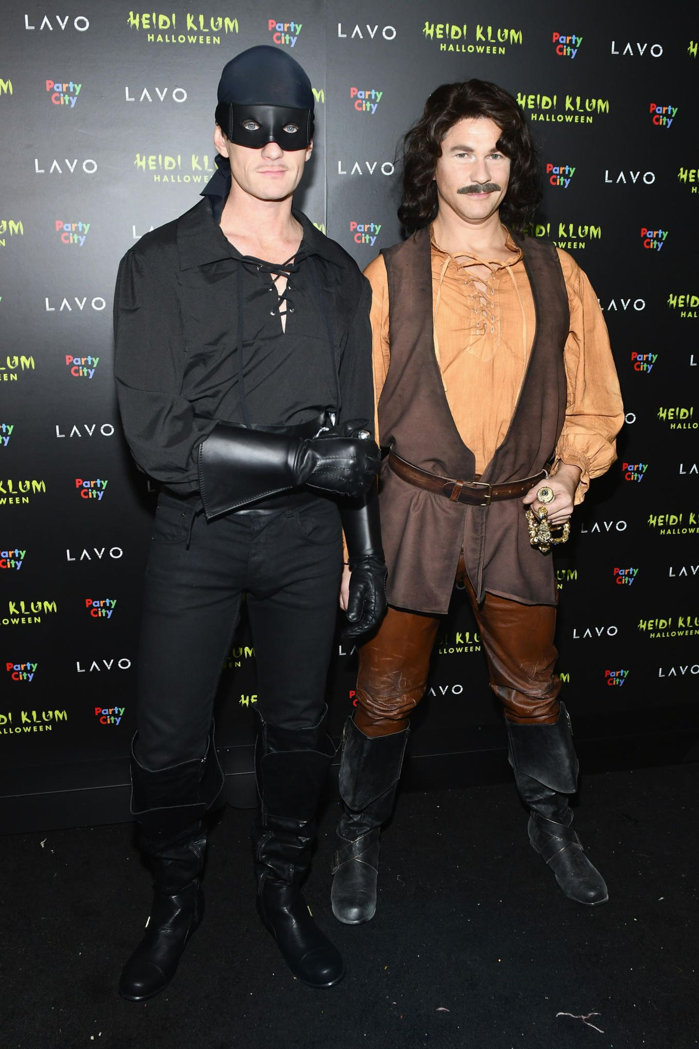 Neil Patrick Harris und sein Mann David Burtka verkleiden sich als böse Schurken.