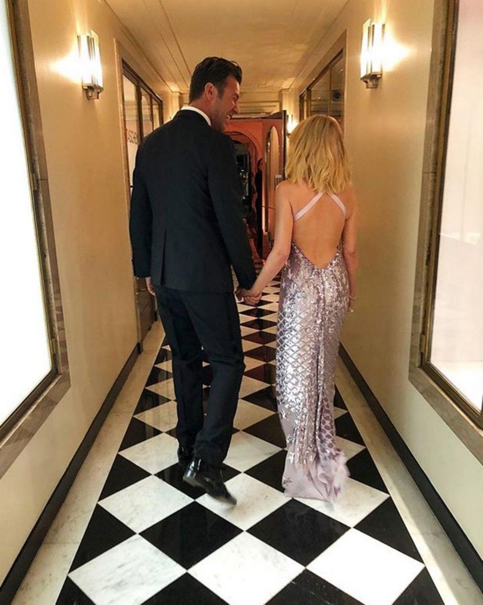 31. Oktober 3018  Kylie Minogue lässt uns auf Instagram an ihrem Liebesglück mit ihrem Partner Paul Solomons teilhaben.  Ein gemeinsamer Freund machte Paul und Kylie im Februar 2018 miteinander bekannt. Sie entwickelten schnell eine enge Freundschaft, doch hielten ihre Beziehung zunächst streng geheim.