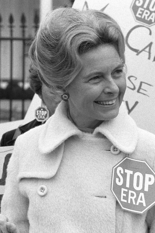 Phyllis Schlafly bei Demonstration gegen Frauenrechte