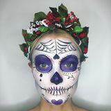 Wow, was ein Style! Franziska Knuppe hat dieses Jahr zu Halloween ein besonders extrovertiertes Make-up gewählt.