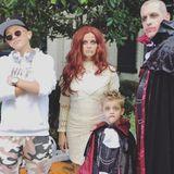 Ganz schön gruselig! Reese Witherspoon wünscht mit diesem schaurigen Instagrambild ihren Followern Happy Halloween.