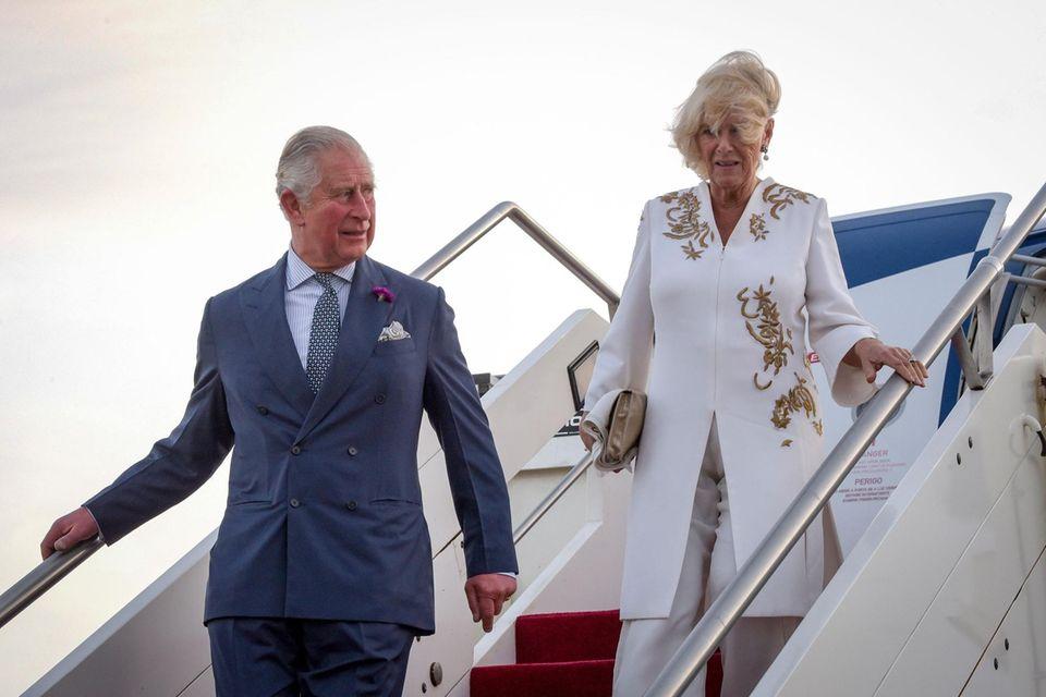 Prinz Charles und seine Frau Herzogin Camilla starten ihre Afrika Reise in Gambia
