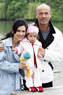 2004: Viktoria und Heiner Lauterbach mit Töchterchen Maya