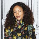 Auch Thandie Newton gehört zu den Glücklichen, die prachtvolle Naturlocken auf dem schönen Kopfkönnen.
