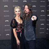 """""""Foo Fighters""""-Frontmann Dave Grohl hat seine schöne Frau Jordyn Blum mitgebracht."""