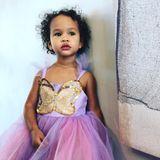 """4. November 2018  Was für eine zauberhafte kleine Fee Chrissy Teigens Tochter Luna doch ist. Stolz teilt die Mama diesen Schnappschuss mit den Instagram-Fans. """"Sie sieht aus wie du"""" oder """"Wunderschön"""" kommentieren die Fans."""