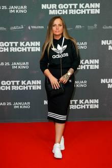 Skandal-Rapperin Schwesta Ewa muss demnächst ihre zweijährige Haftstrafe antreten. Einem aktuellen Posting auf Instagram zufolge, kann es sogar sein, dass die 34-Jährige hinter Gittern ihr erstes Kind bekommt. Die Polin ist offenbar im 7. Monat schwanger.