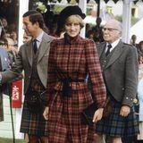 In dem Muster kann sich auch Prinzessin Diana sehen lassen. Ihr Karo-Traum ist jedoch in Braun- und Rottönen gehalten.