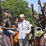 3. November 2018  Prinz Charles gerät bei seinem Besuch in Ghana außer Rand und Band. Vergnügt tanz der britische Thronfolger mit Einheimischen.