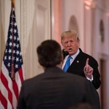 Donald Trump gefällt nicht, was Jim Acosta zu sagen hat