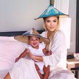 """7. November 2018  """"Dieses Bild bringt mich zum lachen,"""" schreibtKhloé Kardashian zu diesem niedlichen Schnappschuss mit Töchterchen True."""