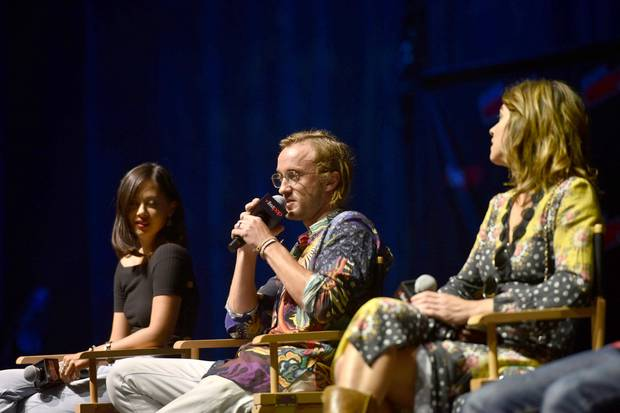 "Mika Watkins, Tom Felton (Mitte) und Natalia Tena beim New York Comic Con 2018 Panel zur Youtube Red-Serie ""Origin""."