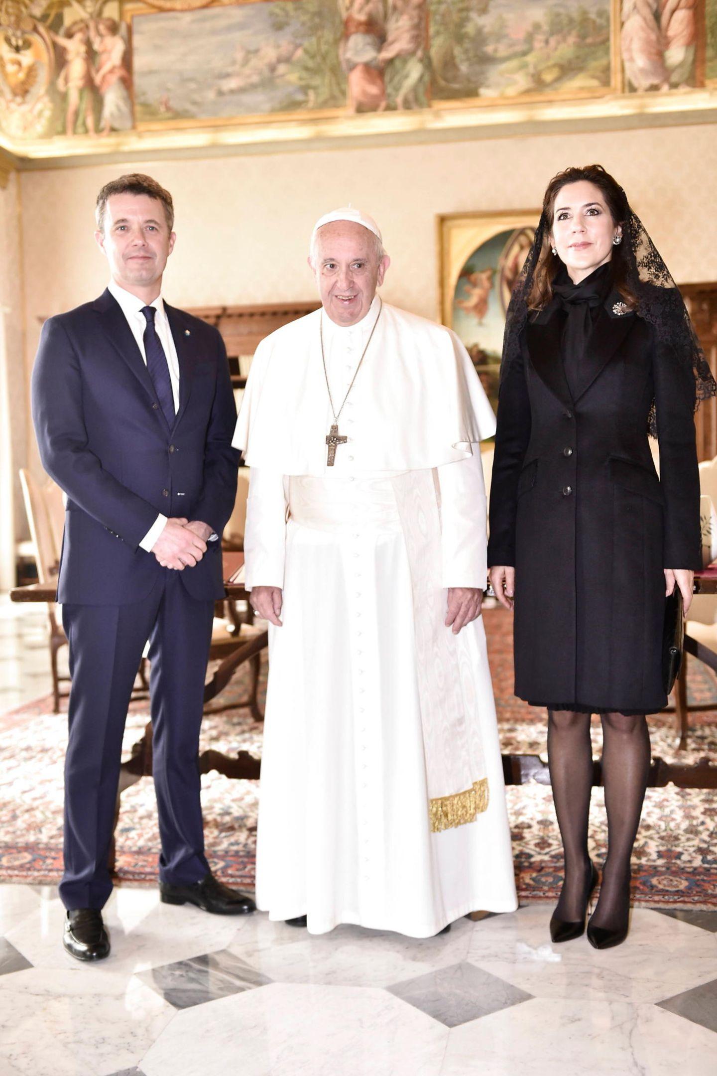 8. November 2018  Prinzessin Mary und Prinz Frederik statten während ihrer Wirtschaftsreise durch Italien dem Papst Franziskus einen Besuch im Vatikan ab.