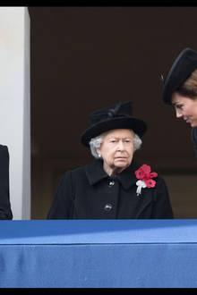 11. November 2018  Herzogin Camilla,Königin Elizabeth II und Herzogin Catherine nehmen ebenfalls ander Gedenkfeier am Kenotaph in London teil.