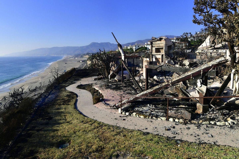 Böses Erwachen für viele Hausbesitzer im Nobelwohnort Malibu an der Pazifik Küste: Hunderte von Villen sind verbrannt, darunter auch die von Stars wie Gerard Butler, Miley Cyrus, Robin Thicke und Shannon Doherty.
