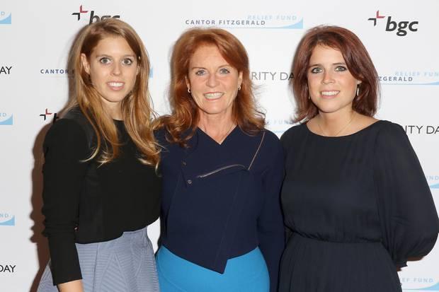 Sarah Ferguson mit ihren TöchternPrinzessin Beatrice und Prinzessin Eugenie