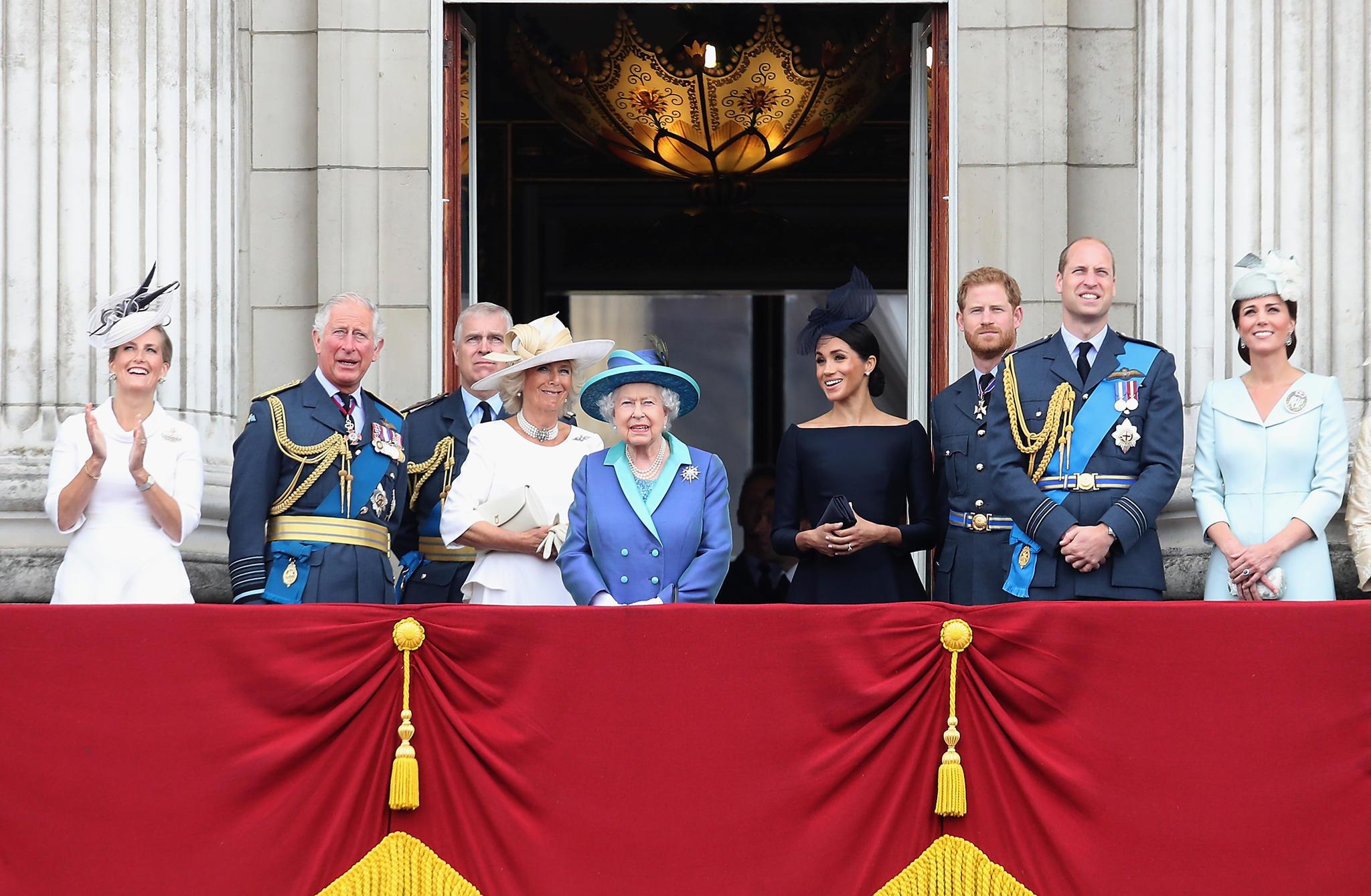 Die britische Königsfamilie auf dem Balkon des Buckingham Palastes