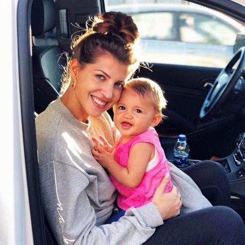 Sarah Harrison + Tochter Mia Rose