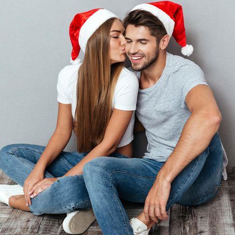 Die Weihnachtszeit ist für viele Paare besonders romantisch.