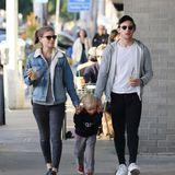 13. November 2018  Kate Mara schlendert mit ihrem Ehemann Jamie Bell und dem Sohn durchs sonnige Los Angeles.