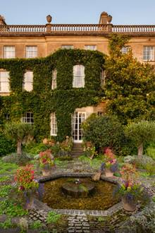 """Highgrove Gardens"" in Gloucestershire"
