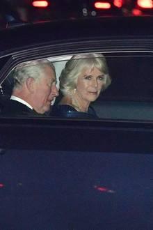 Herzogin Camilla undPrinz Charles bei ihrer Ankunft am Buckingham Palast. Zum 70. Geburtstag von Prinz Charles findet dort ein Galadinner mit hochrangigen Gästen statt ...