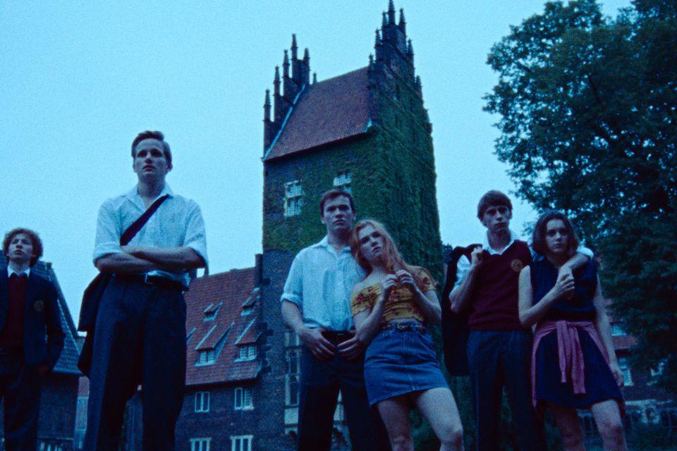 Zahnlos (Albrecht Felsmann), Moritz (Leon Blaschke), Butsche (Julius Nitschkoff), Katharina (Franziska Brandmeier), Roman (Oskar Belton), Elena (Valerie Stoll)