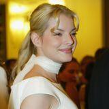 2004  Ihrer engelsgleichen Stimme wird auch der Look angepasst: Yvonne Catterfeld wird zum blonden Goldlöckchen.