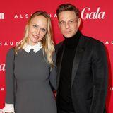 GALA-Chefredakteurin Anne Meyer-Minnemann trug ein Kleid von Star-Designer Steffen Schraut, der hier neben ihr auf dem Red Carpet posiert.