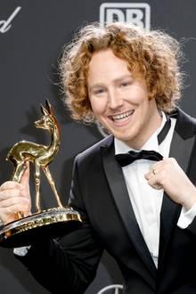 16. November 2018  Yes! Michael Schulte darf sich über den Publikumspreis freuen.