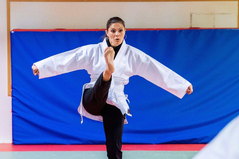 16. November 2018  Everybody was kung fu fighting- Prinzessin Victoria besucht eine Organisation für Gesundheitsförderung für Kinder und Jugendliche und macht bei den Karateübungen gleich selbst mit. Das schaut gar nicht mal so schlecht aus!