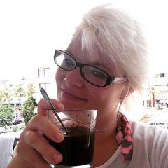 """2014begegnet Jens Büchner der Urlauberin Sarah Linsenhoff.Die Chemie stimmt und sie verbringen einen großen Teil von Sarahs Resturlaubs zusammen. Wieder in Deutschland angekommen ist für die verliebte Sarah schnell klar: Sie muss zurück!Im Januar 2015 beginntdas """"Abenteuer Mallorca"""" für sie und Jens. Der Zauber verfliegt allerdings schnell und das Pärchen trennt sich noch im selben Jahr."""